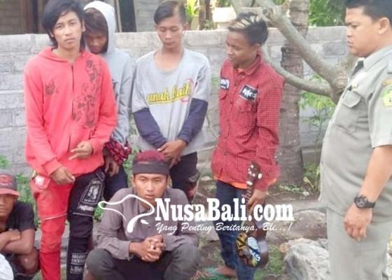 Nusabali.com - berkeliaran-di-gilimanuk-7-anak-punk-dipulangkan-ke-jawa