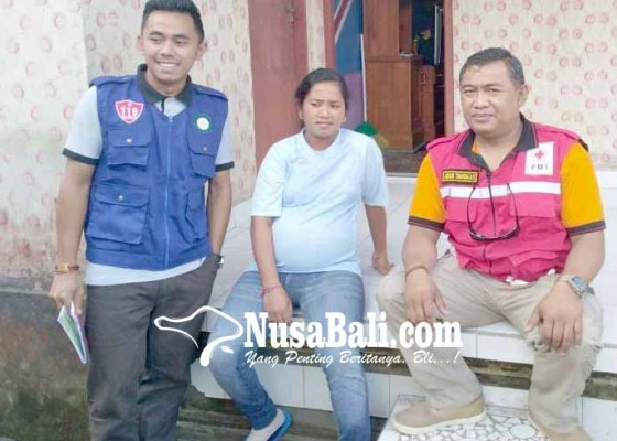 Nusabali.com - relawan-evakuasi-pengungsi-hamil