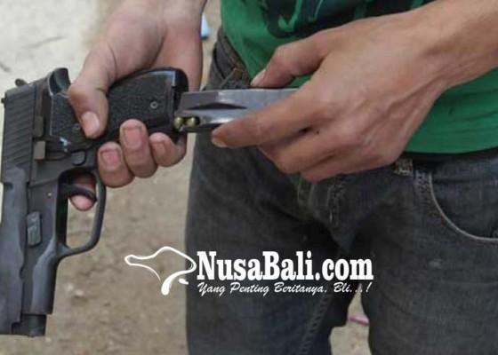 Nusabali.com - pria-bunuh-diri-di-rumah-pacar