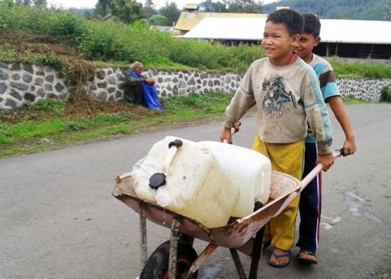 Nusabali.com - krisis-air-di-bangli-meluas-hingga-12-desa