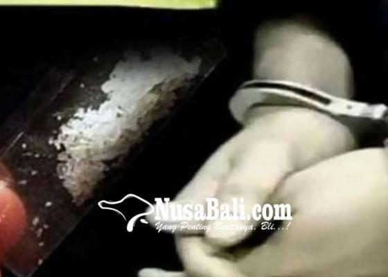 Nusabali.com - dituntut-14-tahun-terdakwa-nangis