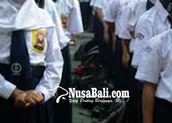 Nusabali.com - smpn-6-tabanan-dibanjiri-pendaftar