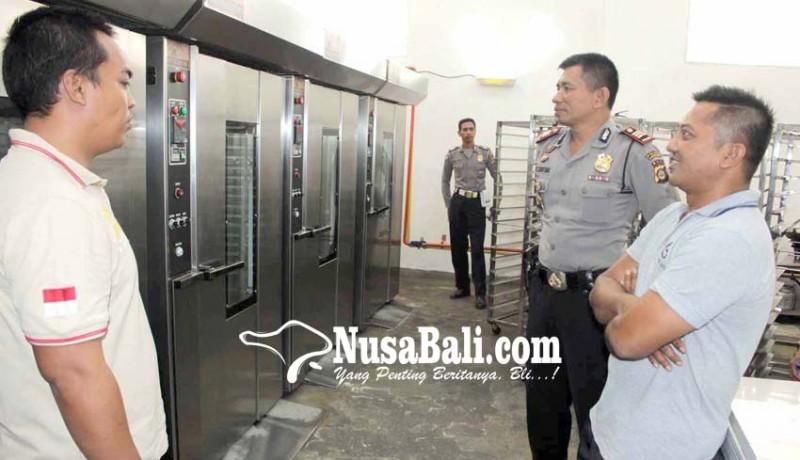 www.nusabali.com-percikan-api-sambar-karyawan-pengolahan-mete