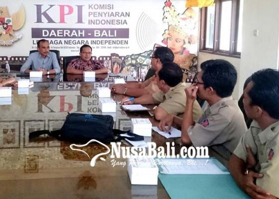 Nusabali.com - diskominfo-buleleng-masadu-ke-kpid-bali