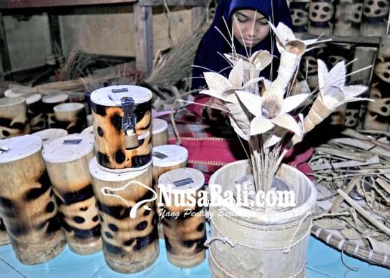 Nusabali.com - kerajinan-pelepah-pisang