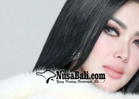 Nusabali.com - syahrini-diminta-diam