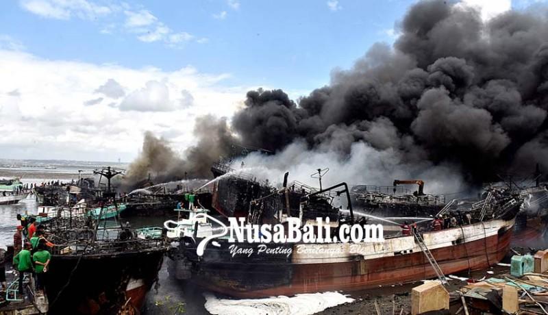 www.nusabali.com-lagi-40-kapal-terbakar-di-benoa