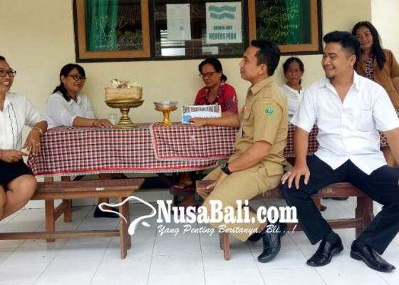 Nusabali.com - guru-kecewa-smp-1-saraswati-ditinggalkan-siswa