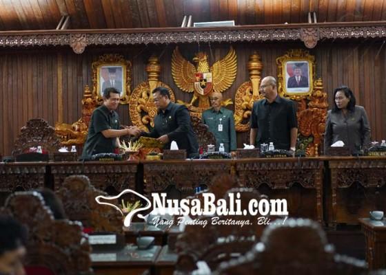 Nusabali.com - penetapan-4-perda-dengan-catatan