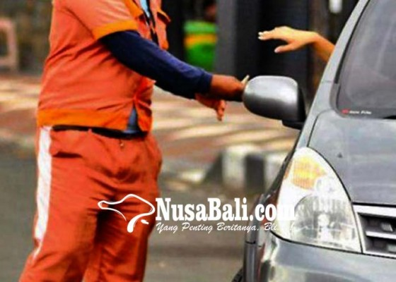 Nusabali.com - parkir-tanpa-karcis-jukir-dijuk