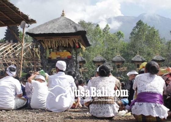 Nusabali.com - tiap-hari-erupsi-tahapan-karya-pura-nangka-jalan-terus