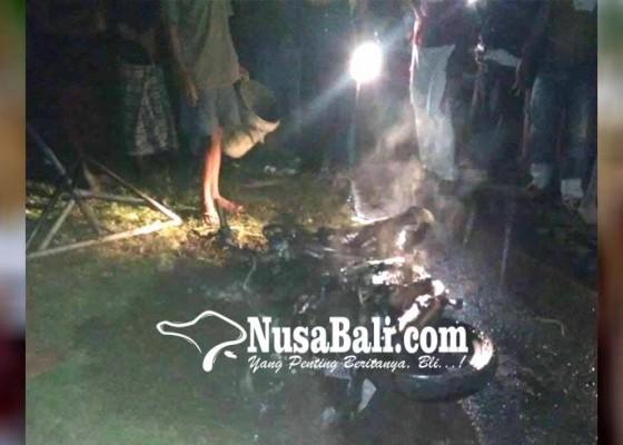 Nusabali.com - motor-jro-mangku-terbakar