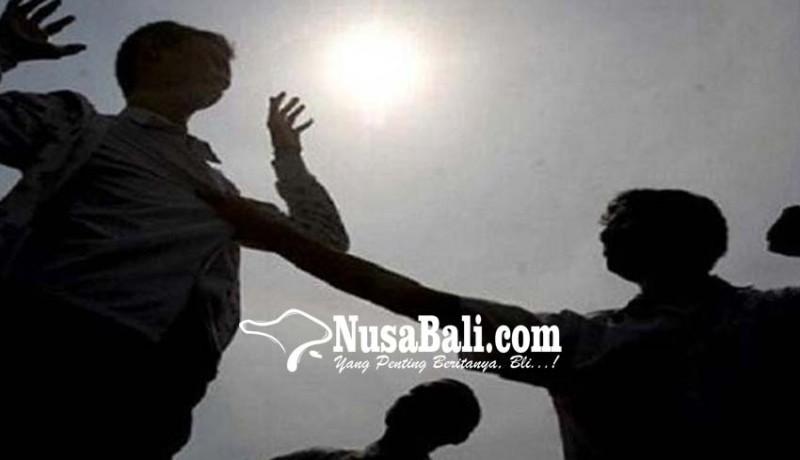 www.nusabali.com-3-oknum-shabara-keroyok-mahasiswa