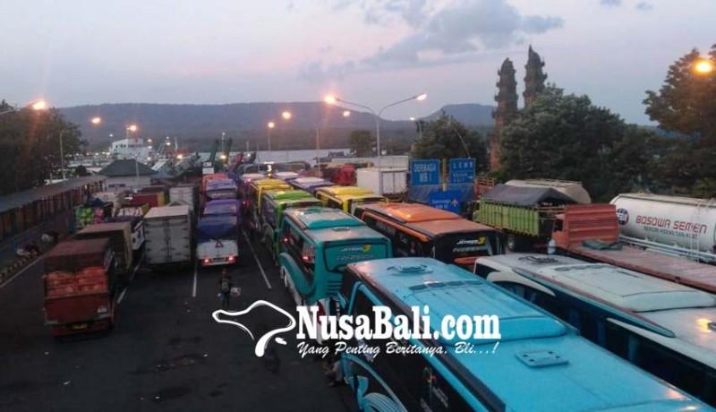 www.nusabali.com-penyeberangan-dihentikan-hampir-2-jam