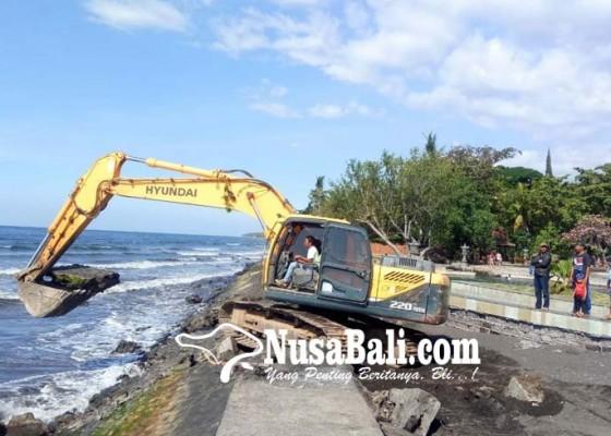 Nusabali.com - akhirnya-kerusakan-tanggul-air-sanih-diperbaiki