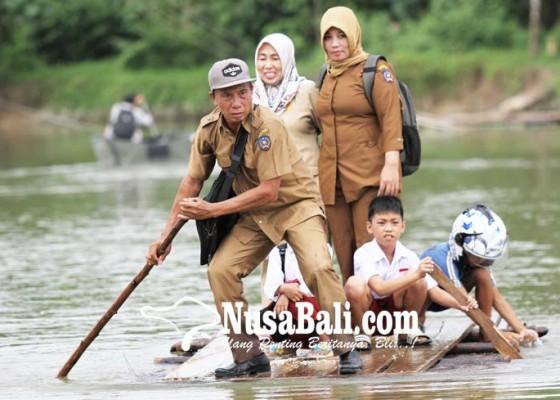 Nusabali.com - 17-kecamatan-terendam-banjir