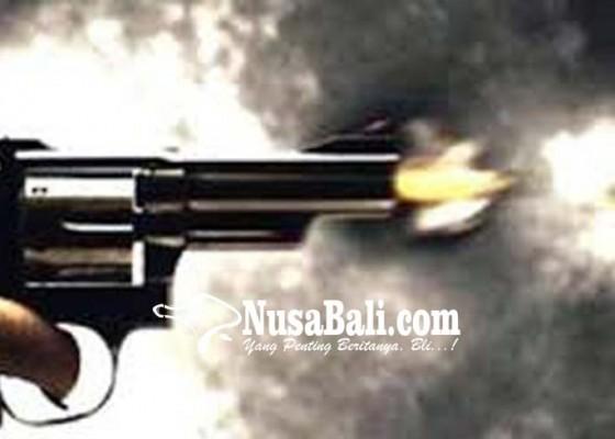 Nusabali.com - kena-peluru-nyasar-sopir-truk-tewas