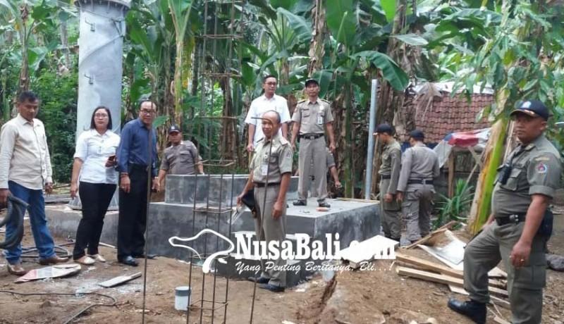 www.nusabali.com-satpol-pp-sita-peralatan-tower-di-desa-pikat