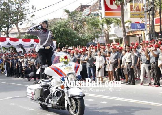 Nusabali.com - kapolda-minta-polisi-jadi-pelayan-masyarakat