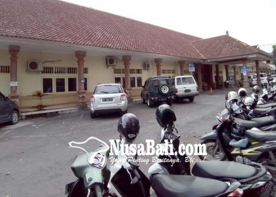 Nusabali.com - penataan-parkir-rsud-wangaya-dirancang-menggunakan-pihak-ketiga