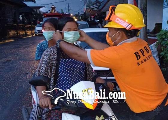 Nusabali.com - gunung-agung-erupsi-abu-mengarah-ke-selatan