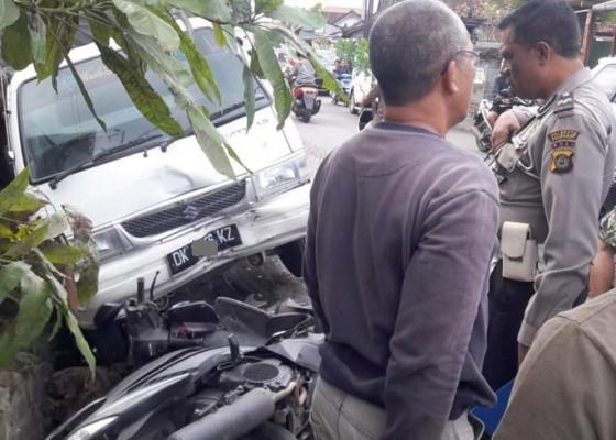 Nusabali.com - ngantuk-pick-up-angkut-ayam-tabrak-pemotor-hingga-tewas