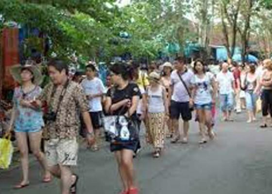 Nusabali.com - wisata-olahraga-bidik-240000-wisman