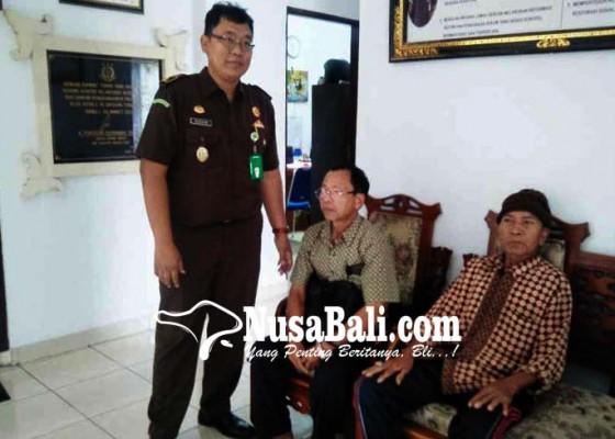 Nusabali.com - nasabah-lpd-datangi-kejari-bangli