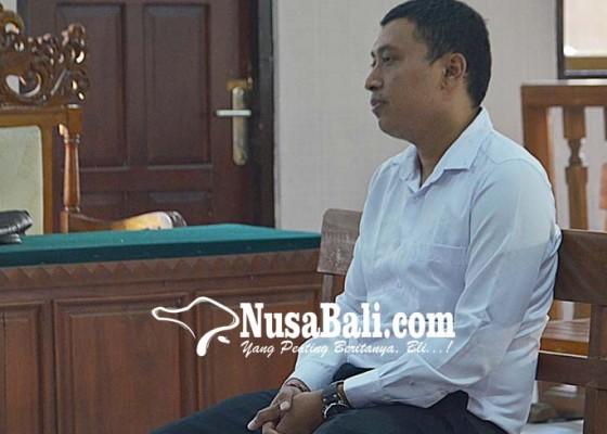 Nusabali.com - tiduri-2-siswi-oknum-wakasek-sidang-perdana