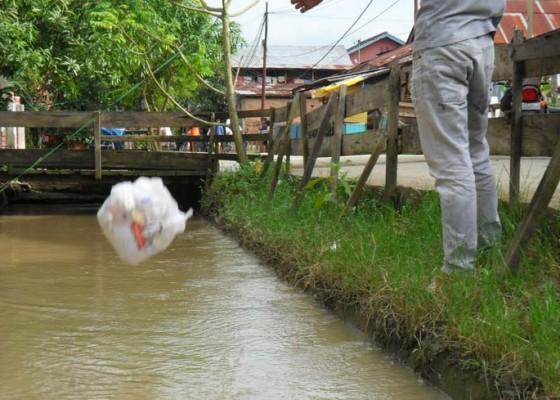 Nusabali.com - buang-limbah-sembarangan-diganjar-rp-2-juta