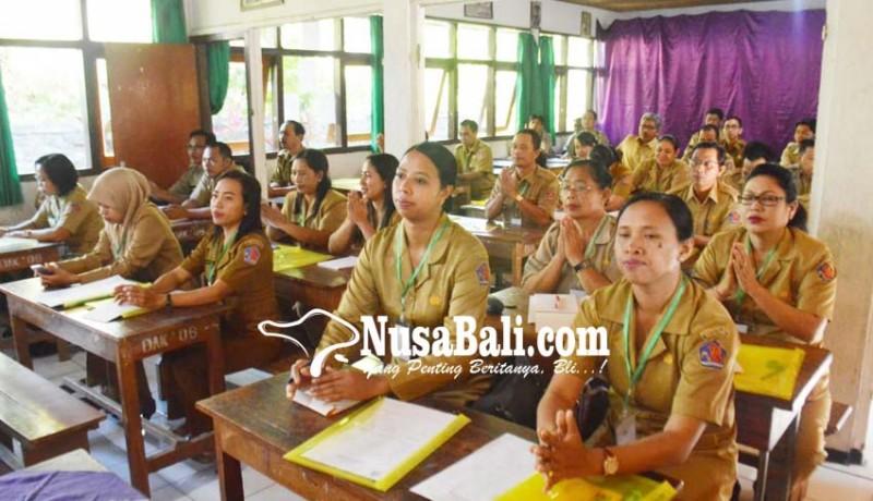 www.nusabali.com-kejar-karier-guru-wajib-penuhi-pak