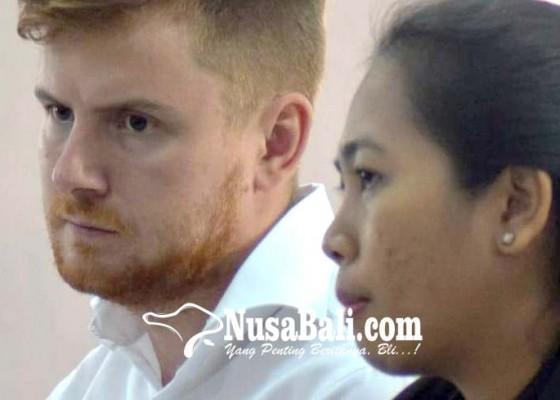 Nusabali.com - bawa-sisa-ganja-rusia-dituntut-setahun