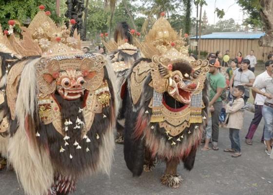 Nusabali.com - ngelawang