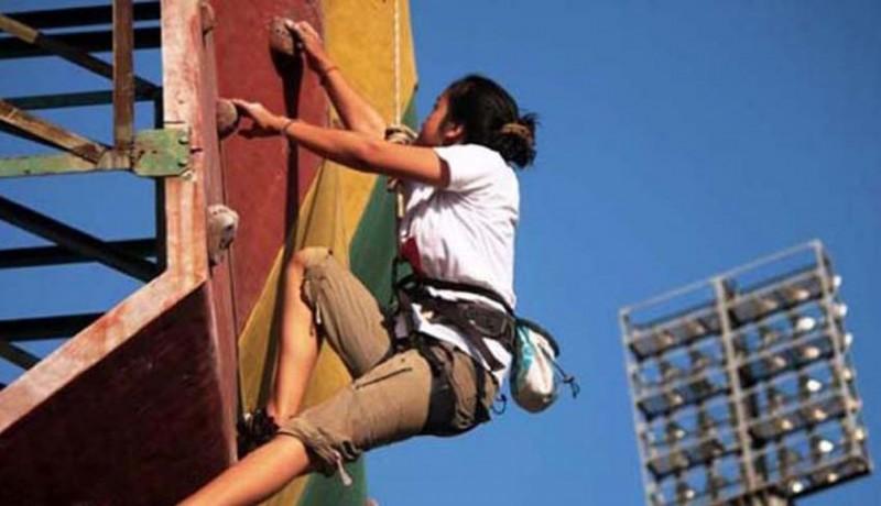 www.nusabali.com-32-atlet-ikuti-sirkuit-panjat-tebing-di-surabaya