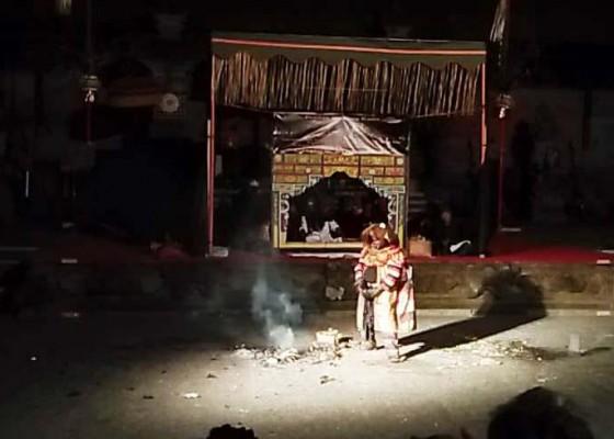 Nusabali.com - cupak-meborbor-tampil-menegangkan