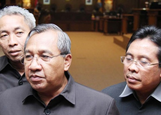 Nusabali.com - smp-dan-sma-swasta-akan-disubsidi-dewan-apresiasi-jawaban-pemerintah
