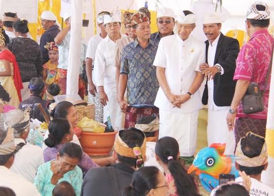 Nusabali.com - gubernur-pastika-perdalam-pemahaman-makna-upacara-pertebal-sradha-dan-bhakti-kehidupan-beragama-umat-hindu