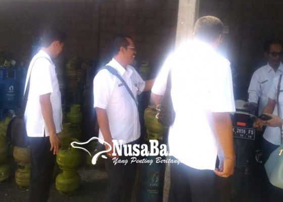 Nusabali.com - polres-badung-kecolongan-gudang-pengoplos-gas