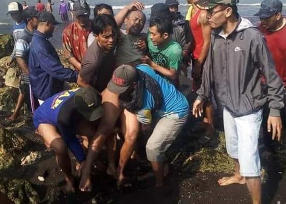 Nusabali.com - kapal-terbalik-5-tewas-7-hilang