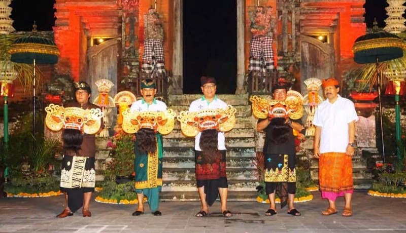 www.nusabali.com-bupati-buka-taman-ayun-barong-festival-regeneration-superstar