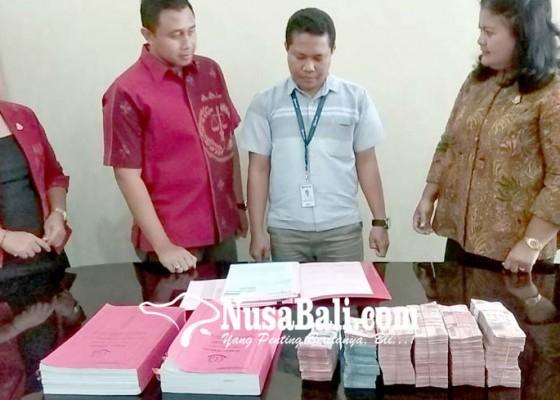 Nusabali.com - uang-pengembalian-korupsi-parkir-manuver-dieksekusi