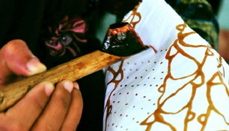 www.nusabali.com-mahasiswa-asing-belajar-batik-melalui-surabali