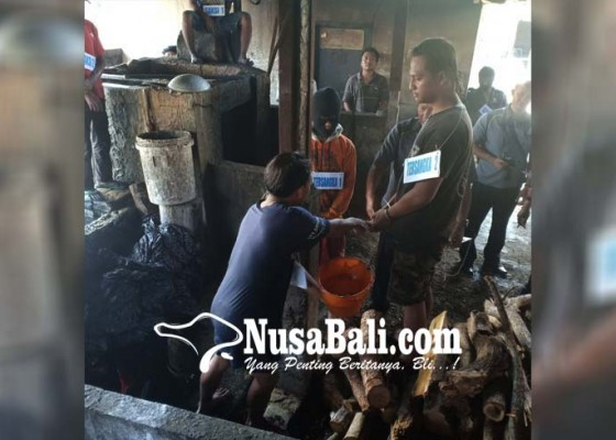 Nusabali.com - pelaku-kena-sanksi-adat-berupa-denda-masing-masing-300-kg-beras