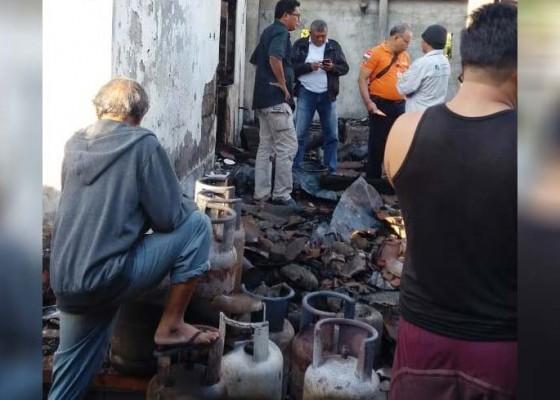 Nusabali.com - dapur-usaha-buat-saur-hangus-terbakar