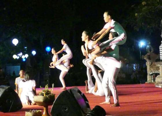 Nusabali.com - sanggar-bona-alit-tebarkan-kedamaian