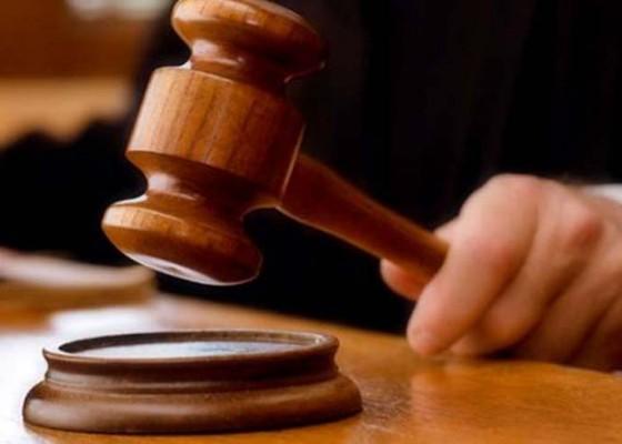 Nusabali.com - mantan-bendesa-pohsanten-dituntut-5-bulan