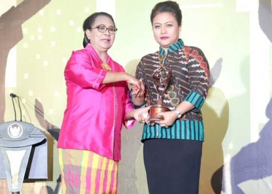 Nusabali.com - pemkab-tabanan-raih-penghargaan-kabupaten-layak-anak-2018
