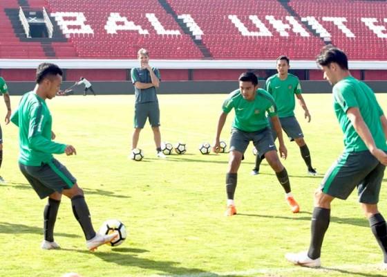 Nusabali.com - timnas-u-23-jajal-bali-united