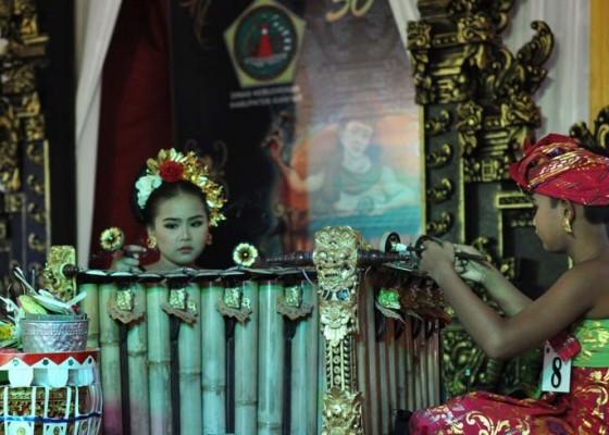 Nusabali.com - seni-menabuh-gender-terancam-punah