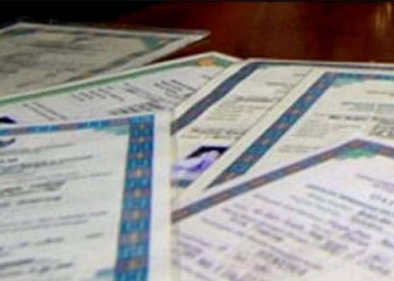 Nusabali.com - 14-siswa-slb-belum-terima-ijazah